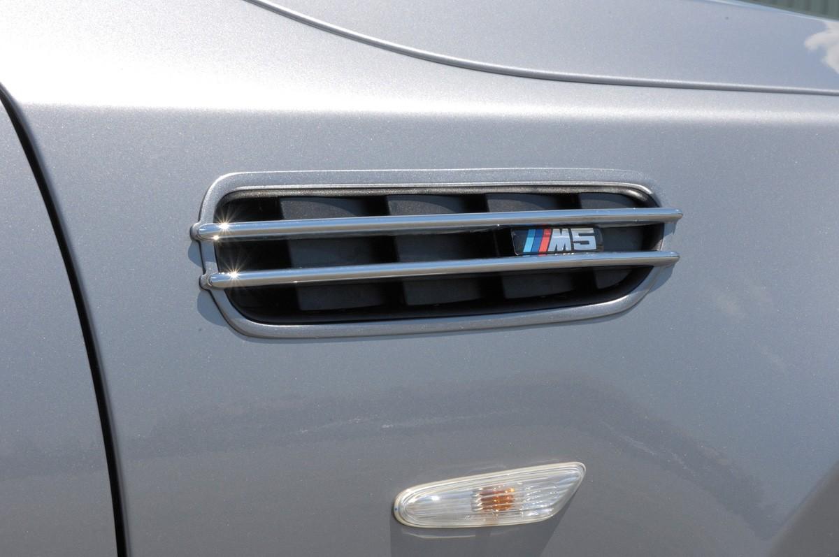 BMW air intake grid black M5-/Rieger-Logo BMW 5-series E60